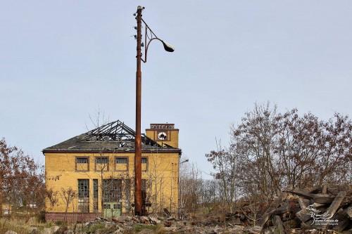 Blick auf Werkstattgebäude