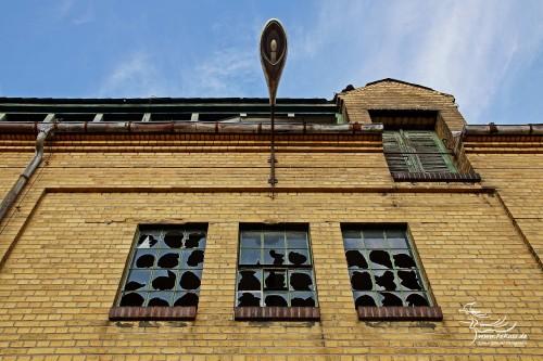 Nebengebäude / Garagen